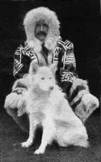 Korabeli fotó Szamojéd kutyáról és gazdáról